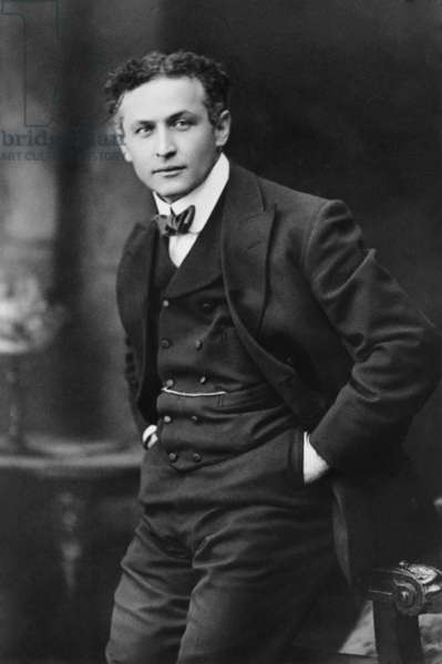 Harry Houdini (1874-1926), American magician famous for his escape acts. 1913 portrait by Gray Campbell