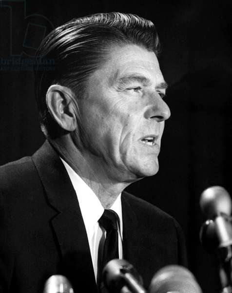 Ronald Reagan at a press conference announcing his intention to run for governor of California, 1/4/66