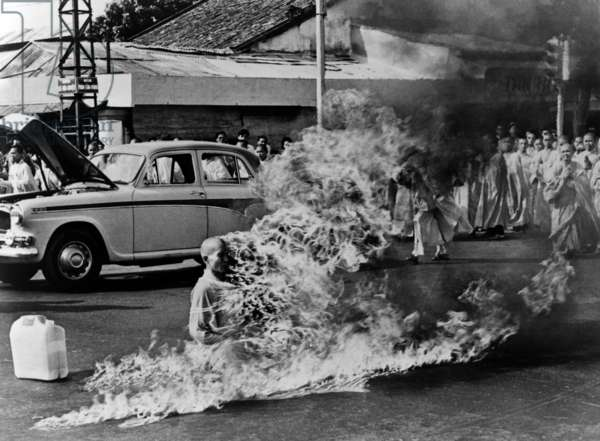 Buddhist monk Thich Quang Duc, protest Vietnamese government oppression of Buddhists, poured gasoline over his body and set himself on fire. He maintained his meditative posture as his body burned. Pulitzer Prize winning photo by Malcolm W. Browne. Saigon 1963