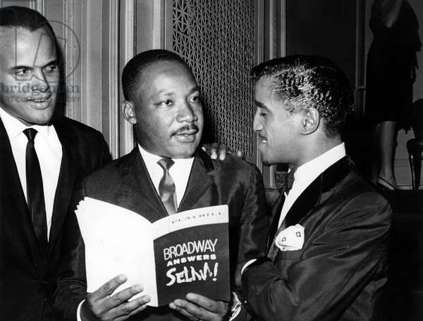 Harry Belafonte, Dr. Martin Luther King Jr., Sammy Davis Jr., at Times Square benefit show 'Broadway Answers Selma', 4/4/65