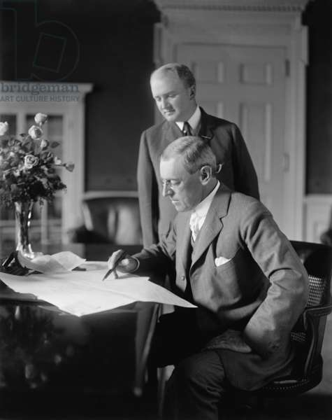 President Woodrow will with his private secretary Joseph Patrick Tumulty 1870-1954 . Tumulty wrote a memoir WOODROW WILSON AS I KNEW HIM in 1921. Photo c. 1915
