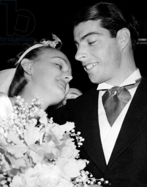Dorothy Arnold and Joe DiMaggio on their wedding day, 1939