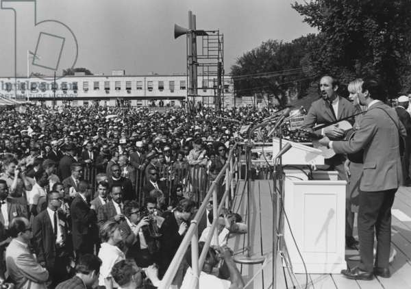 Folk singers Peter, Paul, and Mary performing at the 1963 Civil Rights March on Washington. Aug. 28, 1963