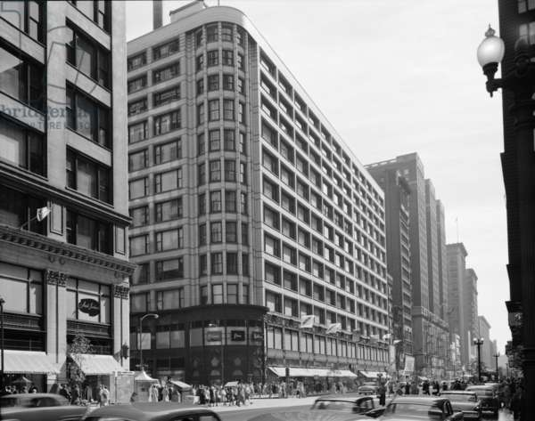 Carson, Pirie, Scott & Company Department Store of 1904 was Louis Sullivan's last large commercial buildings. The design features strong horizontal bands, large rectangular windows, and art nouveau influenced cast iron ornament
