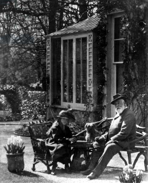 Agatha Mary Clarissa Miller(AGATHA CHRISTIE), and father Frederick Miller at Plymouth, 1898