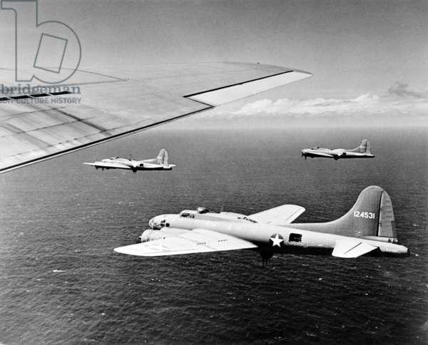 World War II, U.S. airplanes flying, c.1940-1946