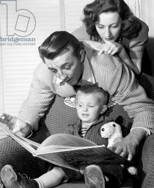 American actor Robert Mitchum (center), with his wife Dorothy Mitchum (top), and son Jim (bottom), 1947.