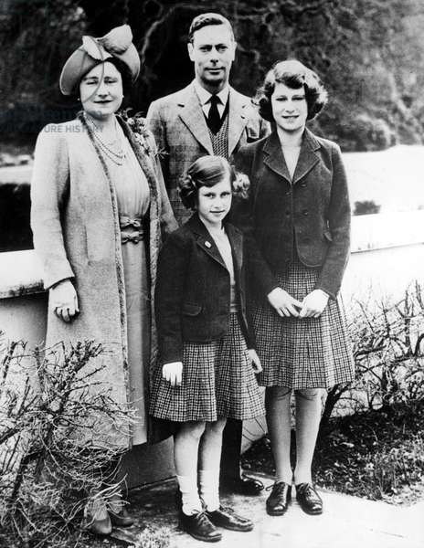 The Royal Family, Queen Elizabeth (later the Queen Mother), King George VI, Princess Elizabeth, Princess Margaret (front), on Elizabeth's 14th birthday, 1940