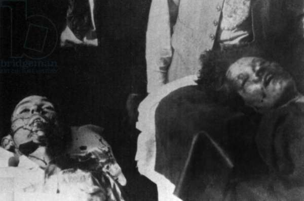 Bodies of Depression era Mid-western bandits, Bonnie Parker and Clyde Barrow in a Louisiana Morgue. May 1934