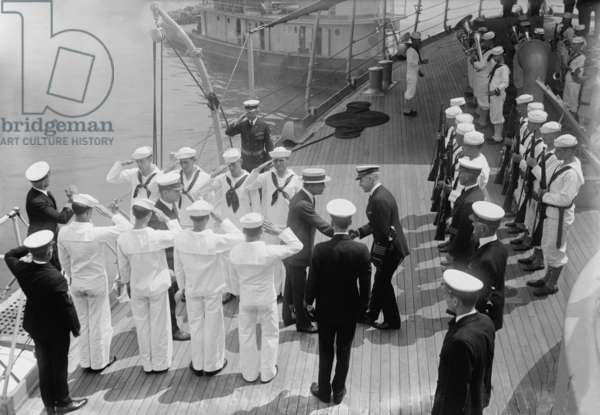 Franklin D. Roosevelt received on USS Illinois when he was assistant secretary of the navy during World War One