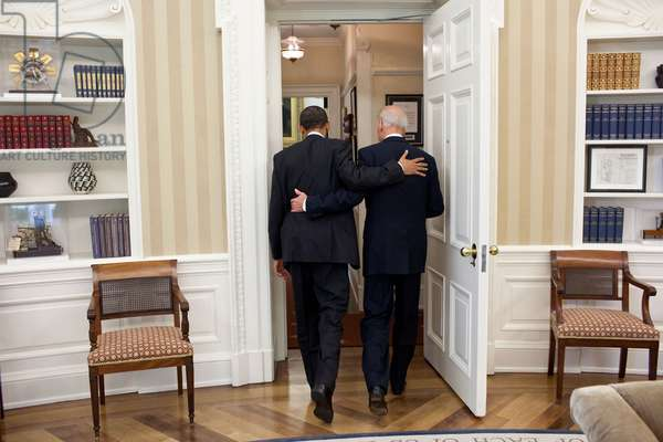 President Obama and VP Joe Biden going to the Oval Office Private Dining Room for lunch. May 4, 2011