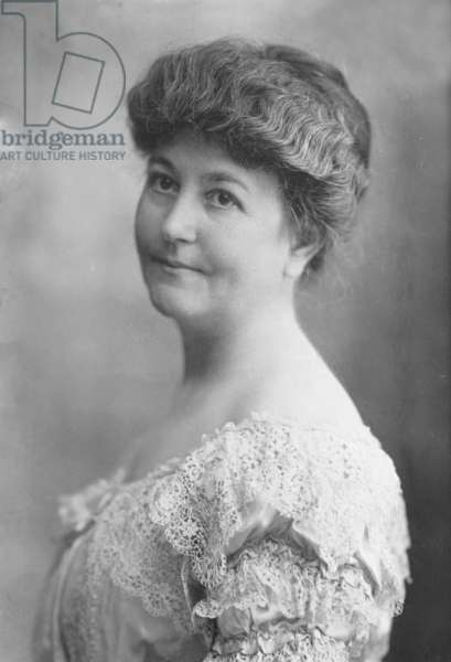 Mrs. Woodrow Wilson (Ellen Louise Axson, 1860-1914) Wilson's first wife, who died in 1914, during the second year of his presidency. While First Lady, she advocated for improved housing for Washington DC's African Americans