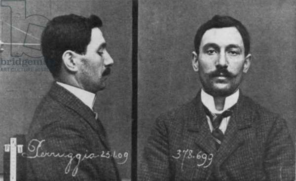 Mugshots of Vincenzo Perruggia, an employee of the Louvre Museum who stole the Mona Lisa on August 21, 1911. He was caught two years later when he offered it for sale to the Uffizi Gallery in Florence. In Italy his actions were seen as patriotic and he served only few months in jail