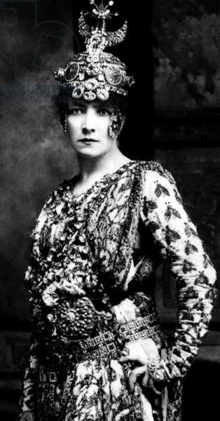 Sarah Bernhardt, late 1800s
