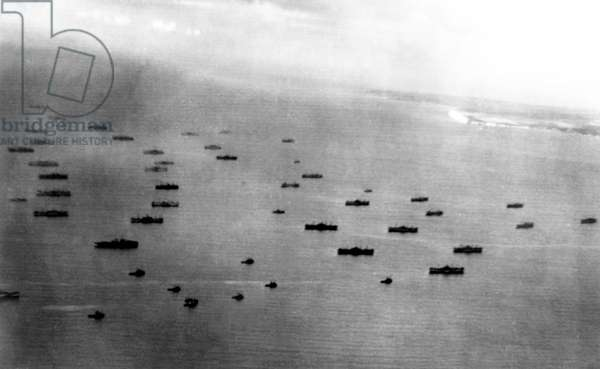 D-DAY, aerial view of English Channel after the Normandy Invasion, 06/08/44
