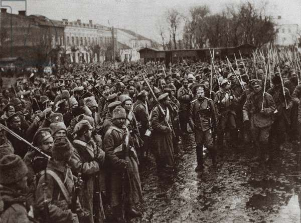 World War 1. Russian troops entering the town of Czernowitz, during the fighting with Austria in the Carpathians. March 1915
