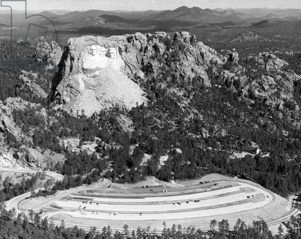 Mount Rushmore, with the faces of U.S. Presidents George Washington, Thomas Jefferson, Theodore Roosevelt, and Abraham Lincoln, Rapid City, South Dakota, 1957.