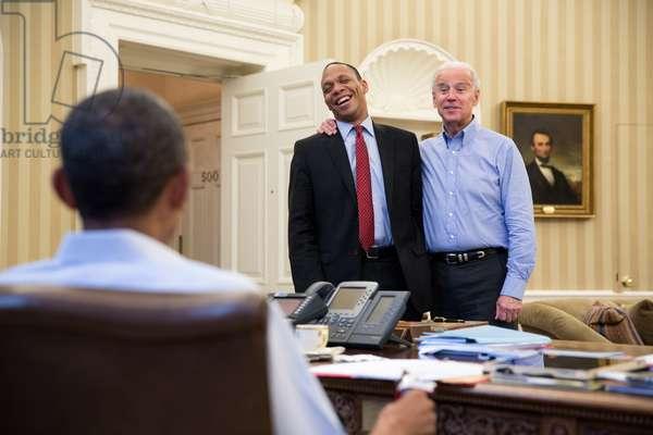 President Obama talks with VP Joe Biden and Rob Nabors, Director of Legislative Affairs. Oval Office, White House, Dec. 30, 2012