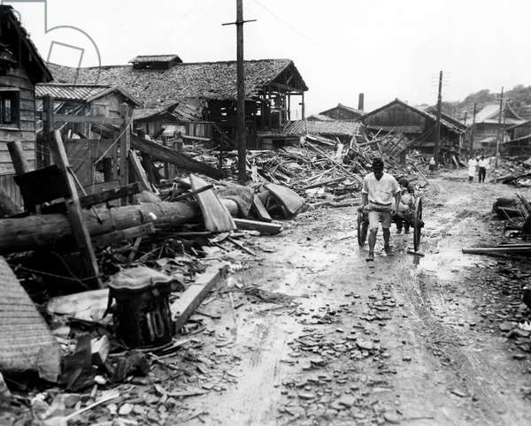 World War II, Atomic bombing aftermath in suburb four miles outside of center of Nagasaki, Japan, September 13, 1945