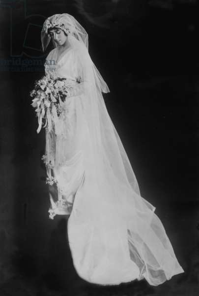 Eleanor Randolph Wilson (1889-1967), Woodrow Wilson's youngest daughter, in her wedding gown. She wed Wilson's Secretary of the Treasury William Gibbs McAdoo at the White House on May 7, 1914