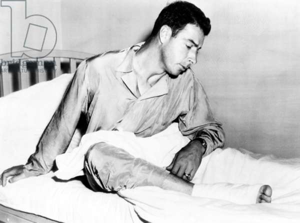 Joe DiMaggio at John Hopkins hospital in Baltimore with a heel injury, 1949
