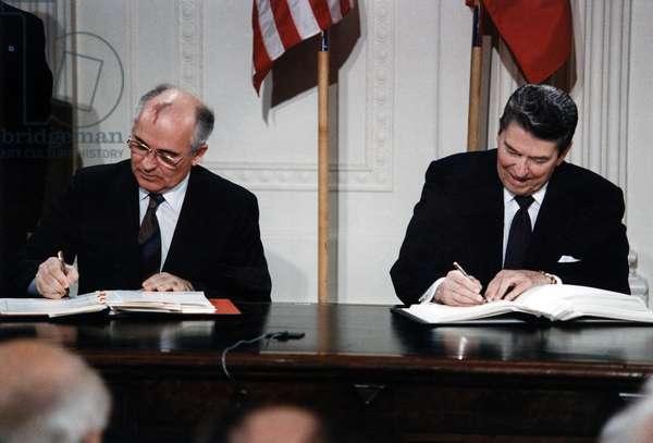 Ronald Reagan. General Secretary Gorbachev (L) and President Reagan (R) signing the INF Treaty (Intermediate-Range Nuclear Forces Treaty). Washington, D.C. December 8, 1987