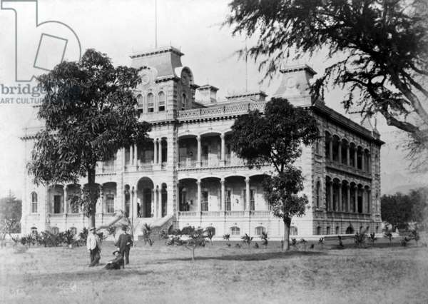Iolani Palace, Honolulu, Hawaii. Residence of the last two royal rulers of Hawaii. Later served as the capitol of Hawaii. c. 1880
