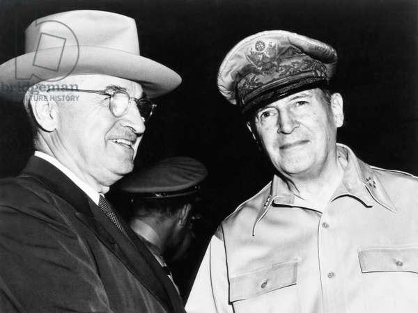 From left, President Harry Truman, General Douglas MacArthur, c. 1950