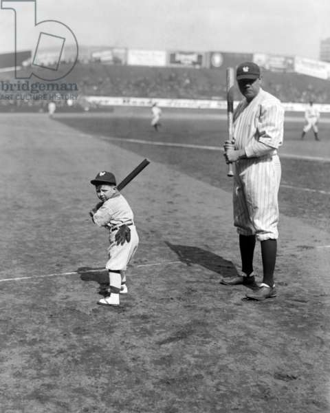 Babe Ruth and mascot, 1922