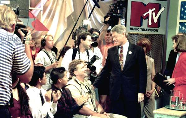 BILL CLINTON appears with young potential voters on MTV, 12/92