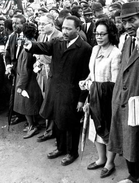 Dr. Martin Luther King starts the last leg of the Selma-to-Montgomery civil rights march, Montgomery, AL, March 25, 1965