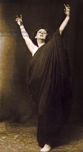 Isadora Duncan: Isadora Duncan c. 1917 (photo)
