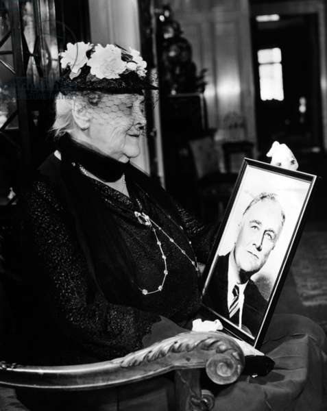 Sara Delano Roosevelt admiring a picture of her son, President Franklin Roosevelt, c. 1935