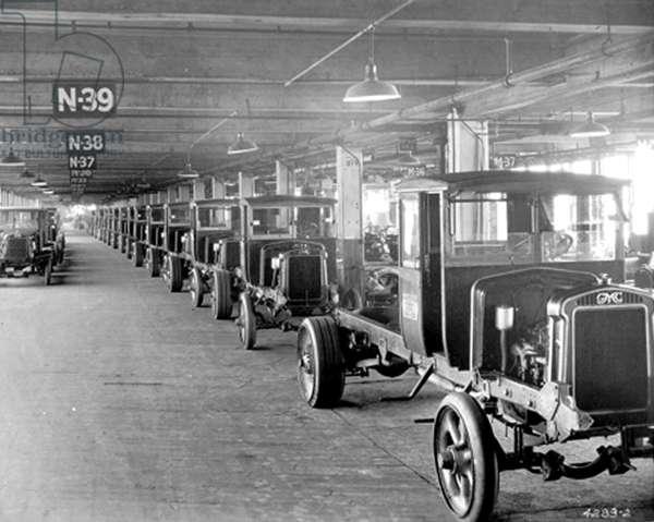GENERAL MOTORS-GM's Chassis Assembly Dept., Detroit, 1927.