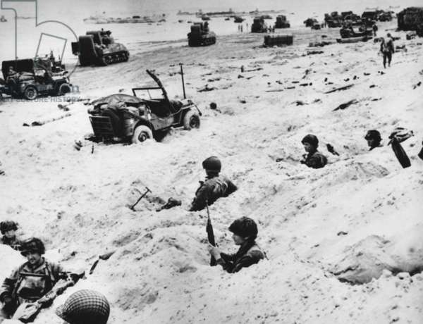 World War II, Soldiers on Utah Beach, Normandy, France, D-Day, June 6, 1944.