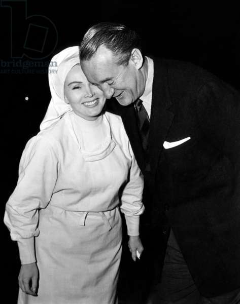 Zsa Zsa Gabor recieves a surprise visit from ex-husband George Sanders on the set of 'THE SECRET DIARY OF JOSEPH STALIN'