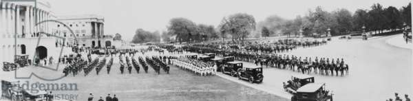 President Warren Harding's (1865-1923) funeral, a panoramic view of the ceremonies at the U.S. Capitol, Washington, D.C., August 8, 1923