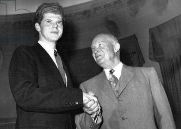 Pianist Van Cliburn visits President Dwight Eisenhower at the White House, 1958