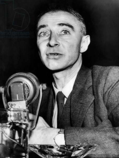 Dr. J. Robert Oppenheimer, former head of the Los Alamos, New Mexico Atomic installation, talks to the Joint Congressional Atomic Energy Committee. 1940s