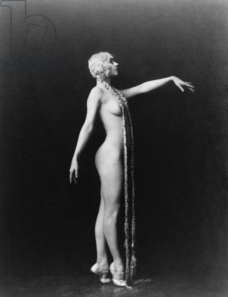 Evelyn Groues, a Ziegfeld girl posed nude with floor length blond braids. Photo by the official Ziegfeld Follies photographer, Alfred Cheney Johnston (1885-1971)
