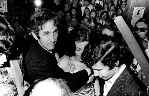 Pentagon Papers Defendant Daniel Ellsberg and wife Patricia. Here Daniel surrenders to authorities at Boston's Federal Building. Boston, MA 06-28-71.