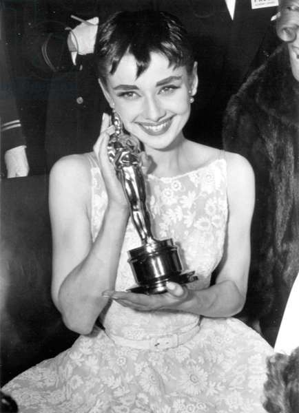 Audrey Hepburn with her Academy Award for ROMAN HOLIDAY, 1954