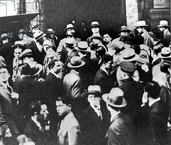 Crowds outside the New York Stock Exchange during crash of 1929.