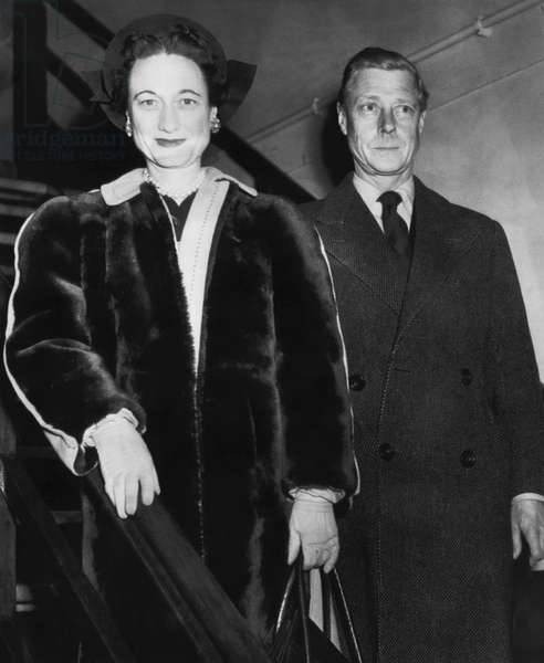 Duchess of Windsor Wallis Simpson and Prince Edward, Duke of Windsor, boarding the Queen Elizabeth at Southampton, England, 1946