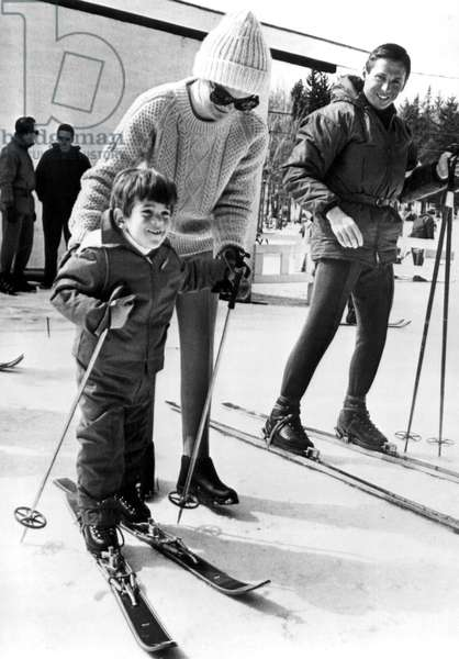Jacqueline Kennedy and John F. Kennedy Jr. 3/28/64, skiing