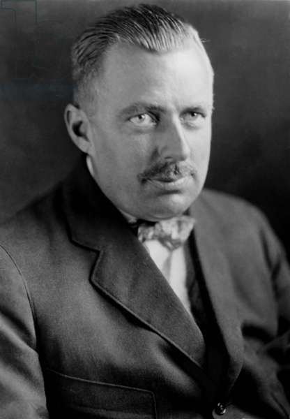 Edward Beale McLean (1889-1941), publisher and owner of the Washington Post from 1916-1933. He was once the owner of the Hope Diamond
