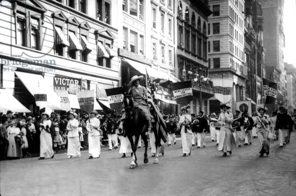 Miss Milholland leading a parade: women's sufferage, 1913