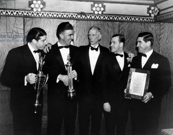Joe DiMaggio, Carl Hubbell, Connie Mack, Al Horowitz and Mickey Cochrane at the annual Philadelphia Sporting Writers' Association dinner, 1938