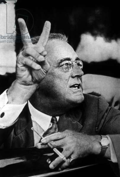 Franklin D. Roosevelt c. 1944 (b/w photo)