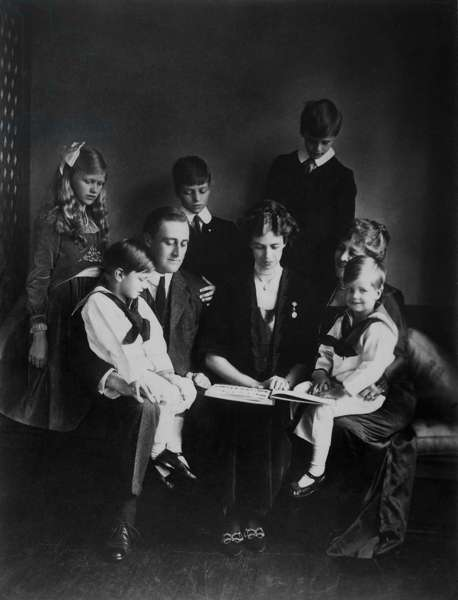 Franklin D. Roosevelt, Eleanor Roosevelt, and family. June 12, 1919